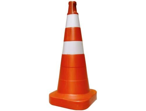 cone de sinalização de trânsito.