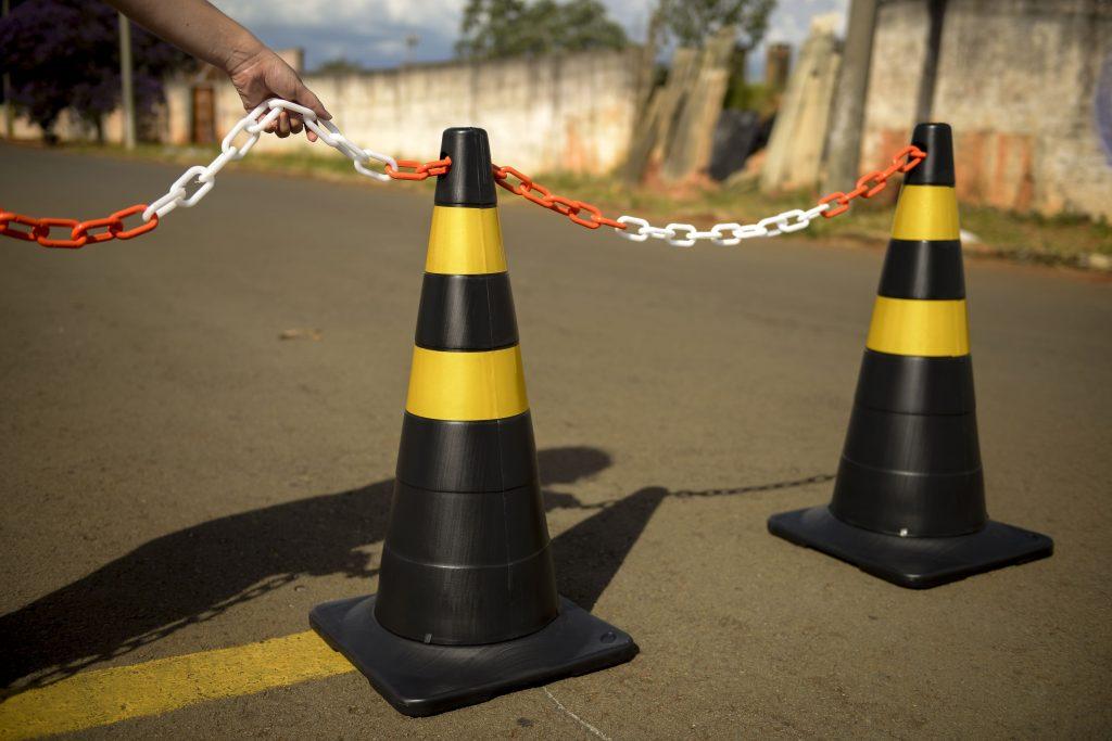 corrente para sinalização de trânsito